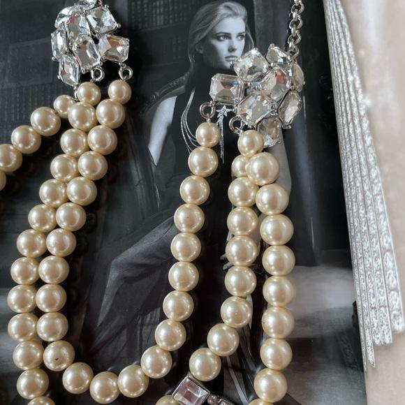 N/A Jewelry - New - bold Pearl & rhinestone statement necklace